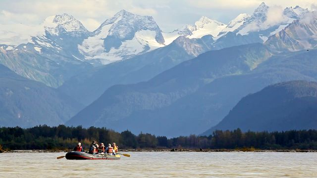 Rafting on the Chilkat River and through the Bald Eagle Preserve
