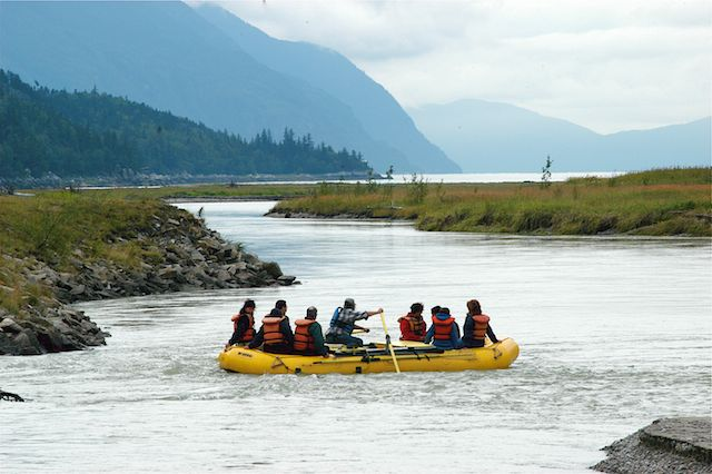Rafting towards the mouth of the Taiya River